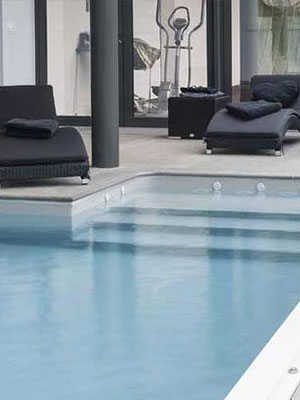 Home Luxury Swimming Pools